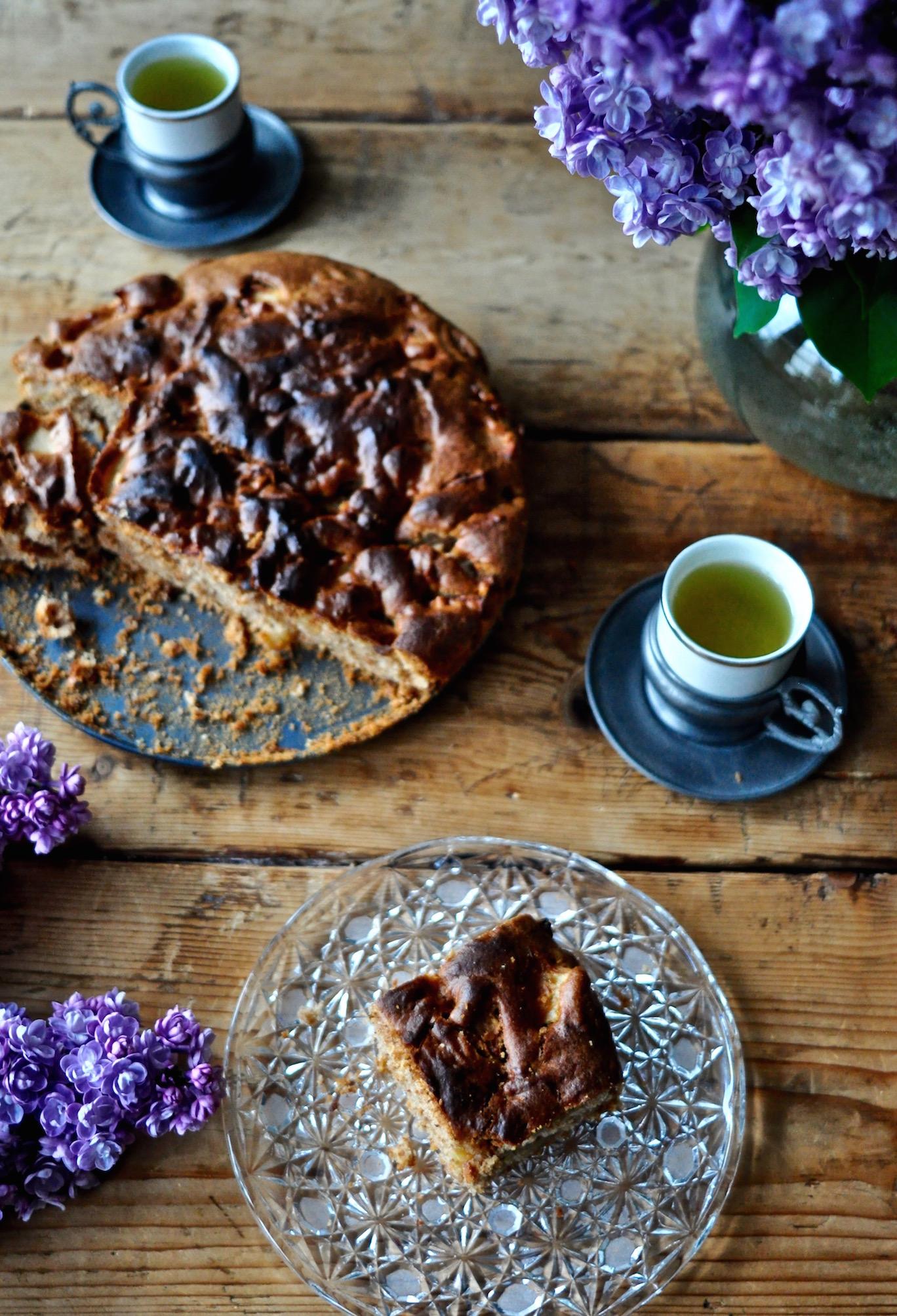apple-cake_kitchenhabitscom1